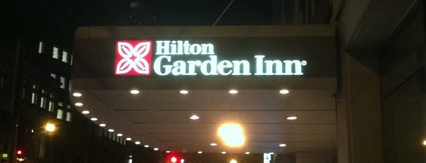 Hilton Garden Inn Times Square is one of Lieux qui ont plu à Kraig.
