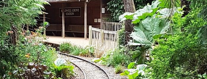 Cotswold Wildlife Park Train Station is one of Orte, die Alexander gefallen.