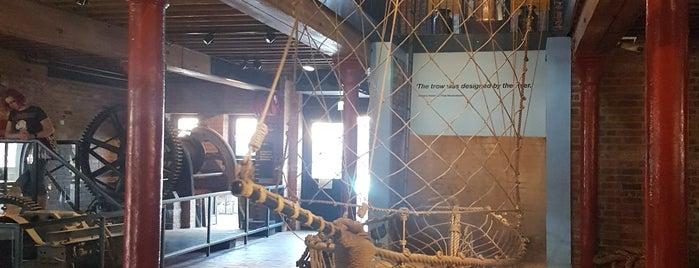 Gloucester Waterways Museum is one of Posti che sono piaciuti a Zoe.