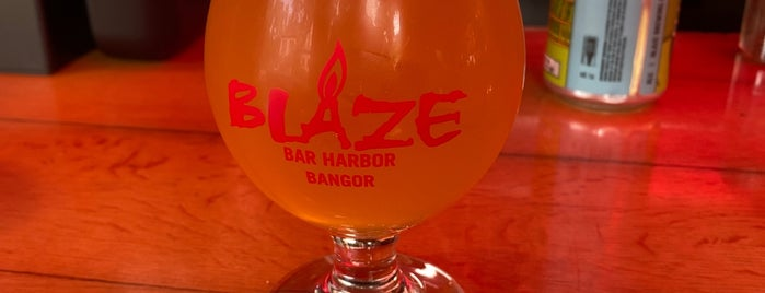 Blaze Craft Beer and Wood Fired Flavors is one of Heather 님이 좋아한 장소.