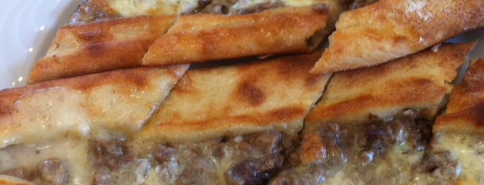 Alp Karadeniz Pidesi is one of ET & Lahmacun&Pide&Kokoreç&Mantı 🥩.