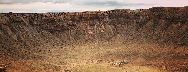 Meteor Crater is one of Route 66.