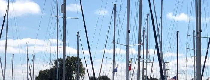 Port of Redwood City is one of Locais curtidos por Alistair.