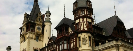 Castelul Peleș is one of Locais curtidos por Carl.