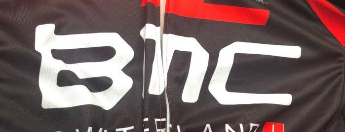 Total Bike is one of สถานที่ที่ Armando ถูกใจ.