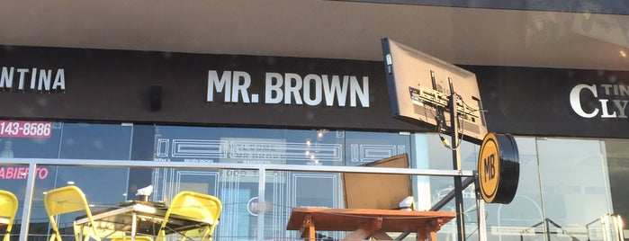 Mr. Brown Foodie Express Factory is one of Tempat yang Disukai Guillermo.