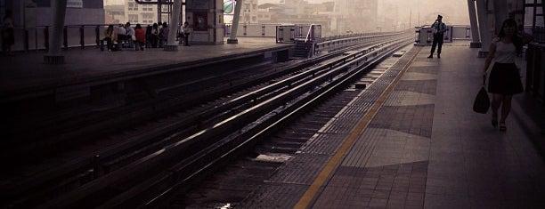 BTS クルントンブリ駅 (S7) is one of 高井さんのお気に入りスポット.