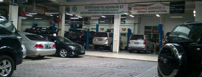 Toyota Auto 2000 Radio Dalam is one of สถานที่ที่ Yohan Gabriel ถูกใจ.