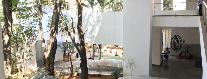 National Gallery of Modern Arts is one of BLR.