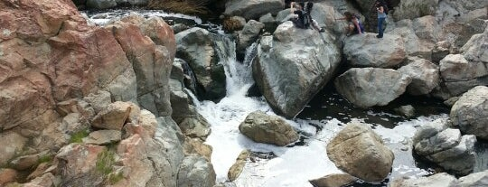 Waterfall is one of สถานที่ที่ Veronica ถูกใจ.