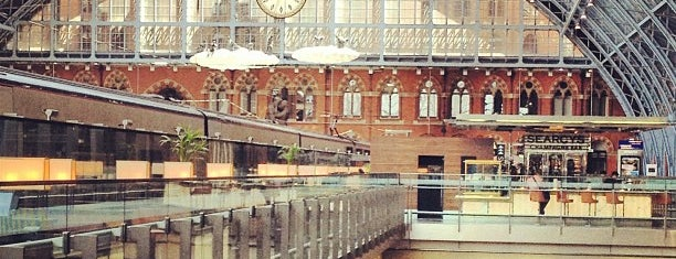 Estación de St. Pancras (STP) is one of Railway stations visited.