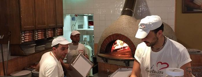 Gusta Pizza is one of Locais curtidos por Devonta.