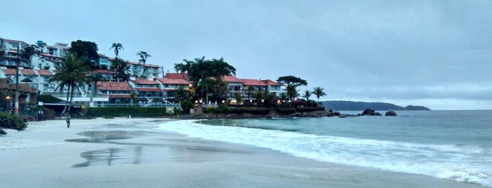 Beira da praia Bombinhas is one of Alex 님이 저장한 장소.