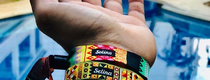 Selina is one of Tempat yang Disukai Karla.