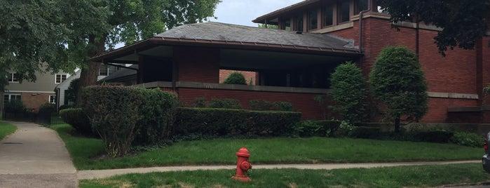 William Heath House is one of Frank Lloyd Wright.
