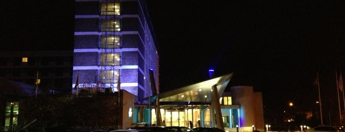 Crowne Plaza London - Gatwick Airport is one of Lugares favoritos de Mercy.