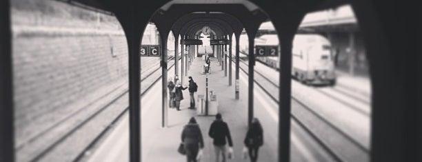 Bahnhof Zürich Wiedikon is one of Lieux qui ont plu à Maŗċ.