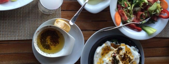 Hasanaki Balık Restaurant is one of Tempat yang Disukai Enise.