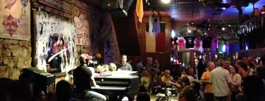 Pete's Dueling Piano Bar is one of SXSW.