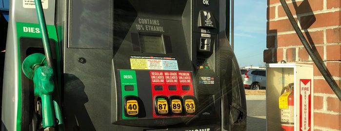 Kroger Fuel Center is one of Posti che sono piaciuti a Dawn.