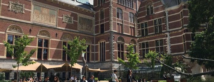 Rijksmuseum Garden is one of Tempat yang Disukai Edwulf.