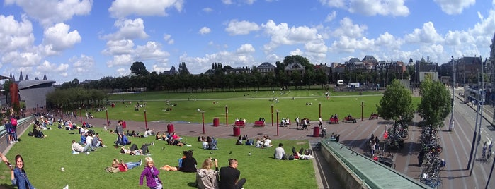 Museumplein is one of Edwulfさんのお気に入りスポット.