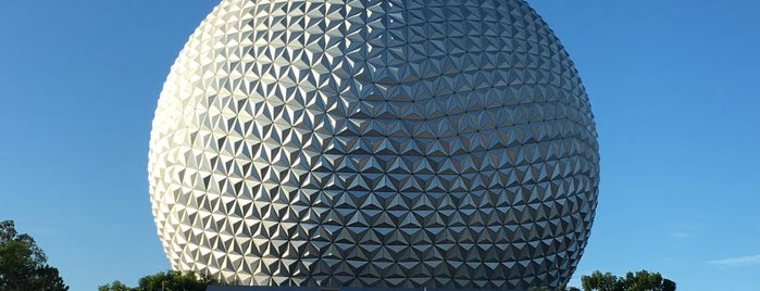 Epcot is one of Lugares favoritos de Edwulf.