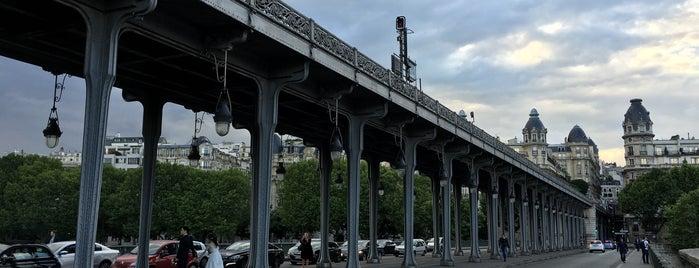 Pont de Bir-Hakeim is one of Edwulfさんのお気に入りスポット.