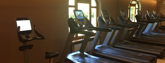 Hotel Bachmair Weissach Gym is one of Posti che sono piaciuti a Rob.