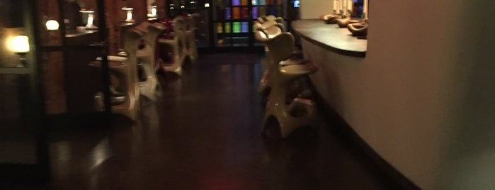 Bacardi Lounge is one of To-Do-Hamburg.