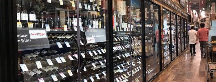 Total Wine Spirits & More is one of Locais curtidos por Tim.