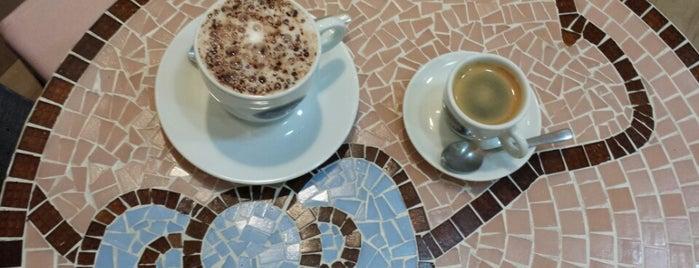 Café Hello Kitty is one of Lugares para conhecer! (:.