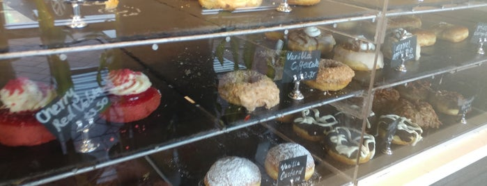 Poquet Donuts is one of CA Spots.
