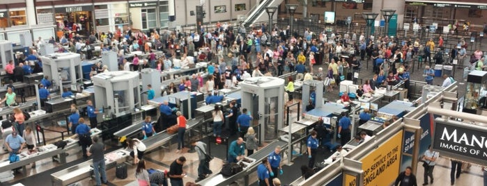 TSA Security Checkpoint is one of Lugares favoritos de Aptraveler.