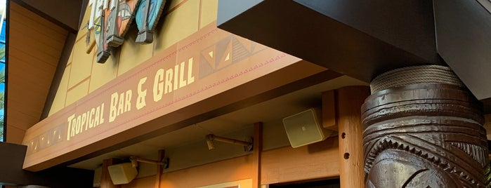 Tangaroa Terrace Bar & Grille! is one of Lugares favoritos de Mark.