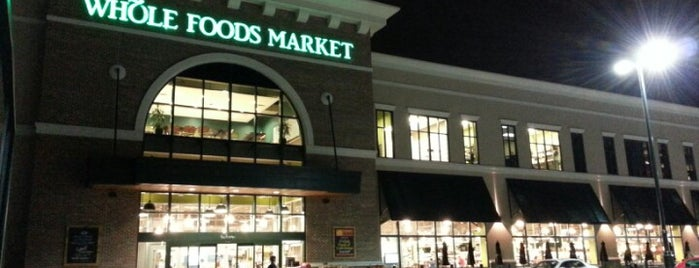 Whole Foods Market is one of Lieux sauvegardés par Carl.