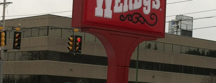 Wendy's is one of Dougさんのお気に入りスポット.