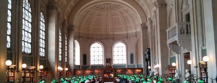 Бостонская общественная библиотека is one of Boston.