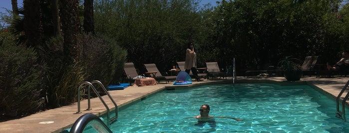 Hacienda Hot Springs Inn is one of สถานที่ที่บันทึกไว้ของ Michael.
