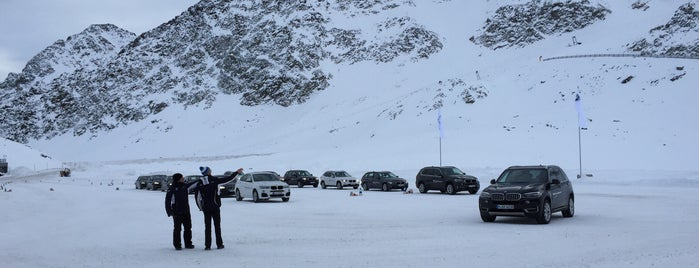 BMW driving experience Rettenbachgletscher is one of สถานที่ที่ Joao ถูกใจ.