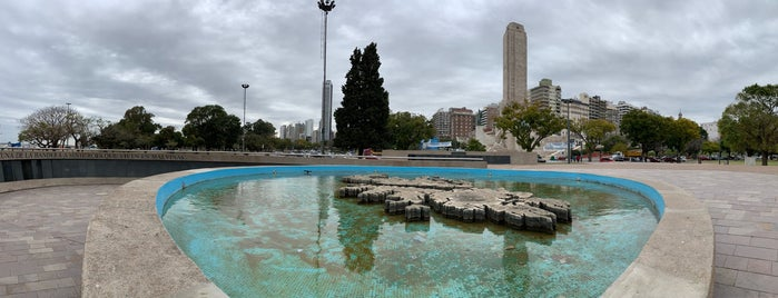 Monumento a los Caídos en Malvinas is one of Rosario.