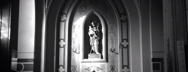 Chiesa Di San Francesco Di Paola is one of Locais curtidos por Silvia.