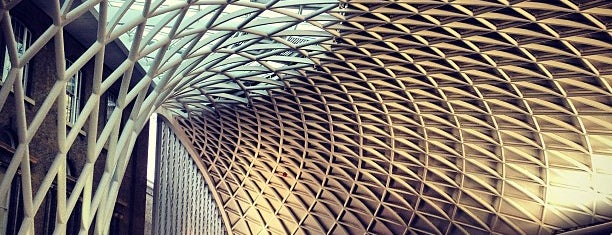 Estación de Londres King's Cross (KGX) is one of shopping.