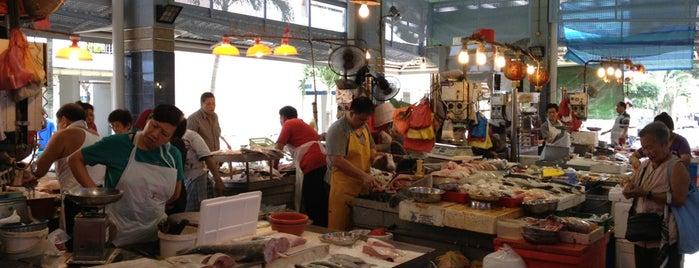 Marine Terrace Market & Food Centre is one of Victor 님이 좋아한 장소.