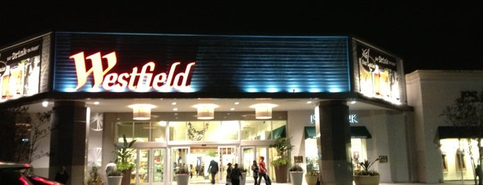 Westfield Countryside is one of Posti che sono piaciuti a Rae.