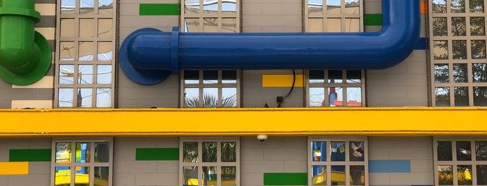 Legoland® Dubai is one of Lugares favoritos de Omar.