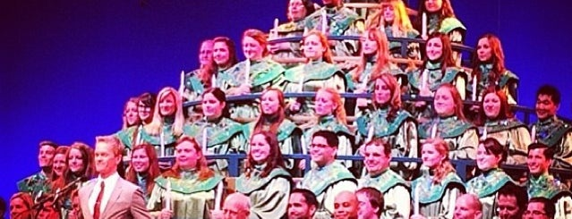Candlelight Processional is one of Locais curtidos por Maggie.