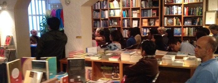 Librería Bonilla is one of Tempat yang Disukai Carlos.