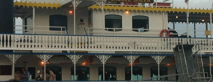 The Creole Queen Paddlewheeler is one of Lieux qui ont plu à Andrew.