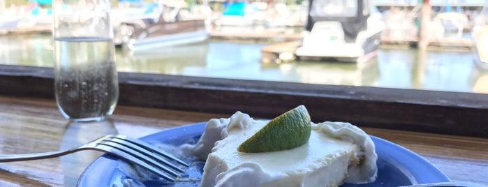 Island Cafe is one of Posti che sono piaciuti a Daniel.
